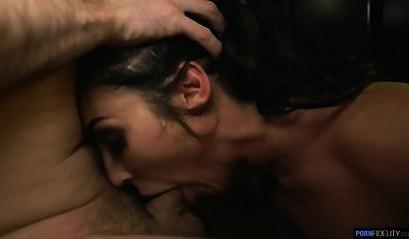 Брюнетка Переживает Приятный И Могучий Секс С Массажистом
